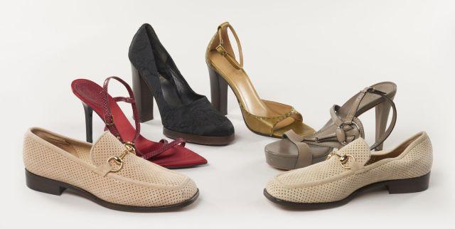 e4bef5723f75e2 GUCCI, Six paires de chaussures. deux paires de mocassins en cuir beige rosé  et
