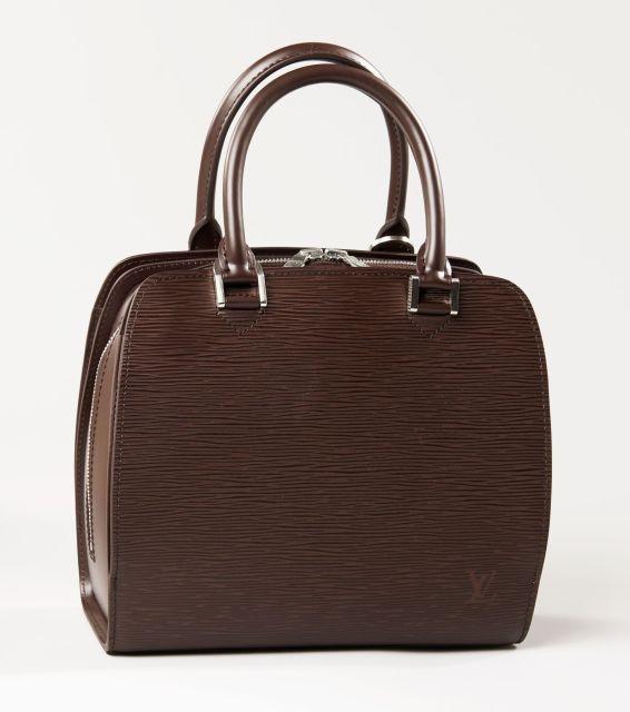 Chanel - Louis Vuitton   Sale n°2783   Lot n°2   Artcurial 07535bb2582