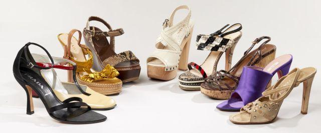 e0a3190fa5b55d PRADA, Lot de neuf paires de chaussures : une paire d'escarpins rouge et