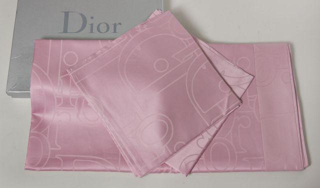 Christian DIOR, Nappe en coton et lin rose monnogrammée   180 x 240 cm + 8d4d7b0c1d0
