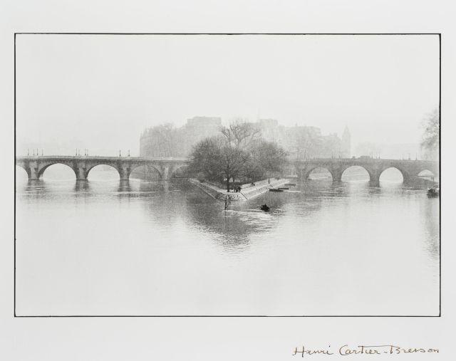 Henri CARTIER-BRESSON 1908-2004 Square du Vert Galant et du Pont Neuf, Ile...
