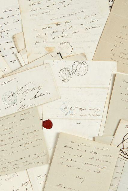 Marie d'AGOULT 1805-1876 Réunion de quatre-vingt-cinq lettres et billets...