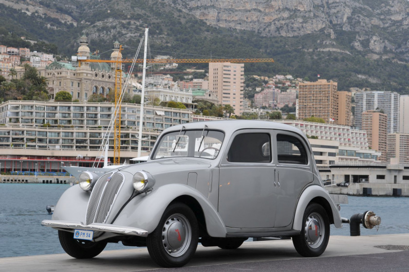 1949 Simca 8 berline