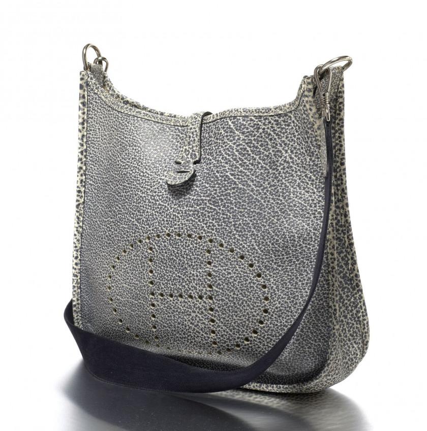 83f32a74d5 Hermès Vintage | Sale n°2275 | Lot n°1390 | Artcurial