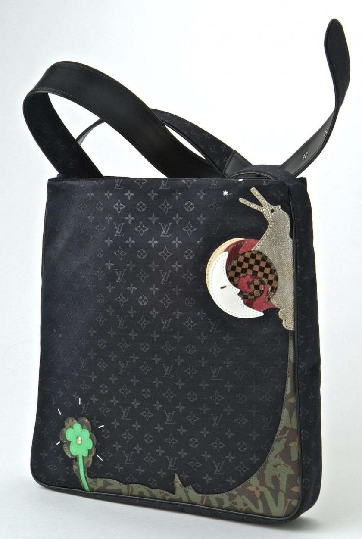 fa497cfd89 Chanel-Vuitton