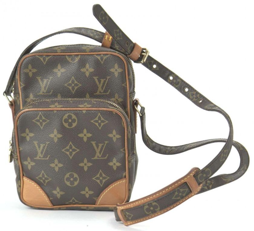 1dbe1e171203 Chanel-Vuitton