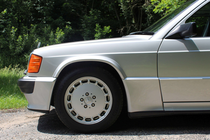 1989 Mercedes-Benz 190 2.5L 16S  No reserve