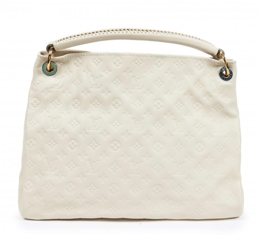 21d03d39db Fashion Arts Chanel + Dior + Vuitton | Sale n°IT3906 | Lot n°102 ...