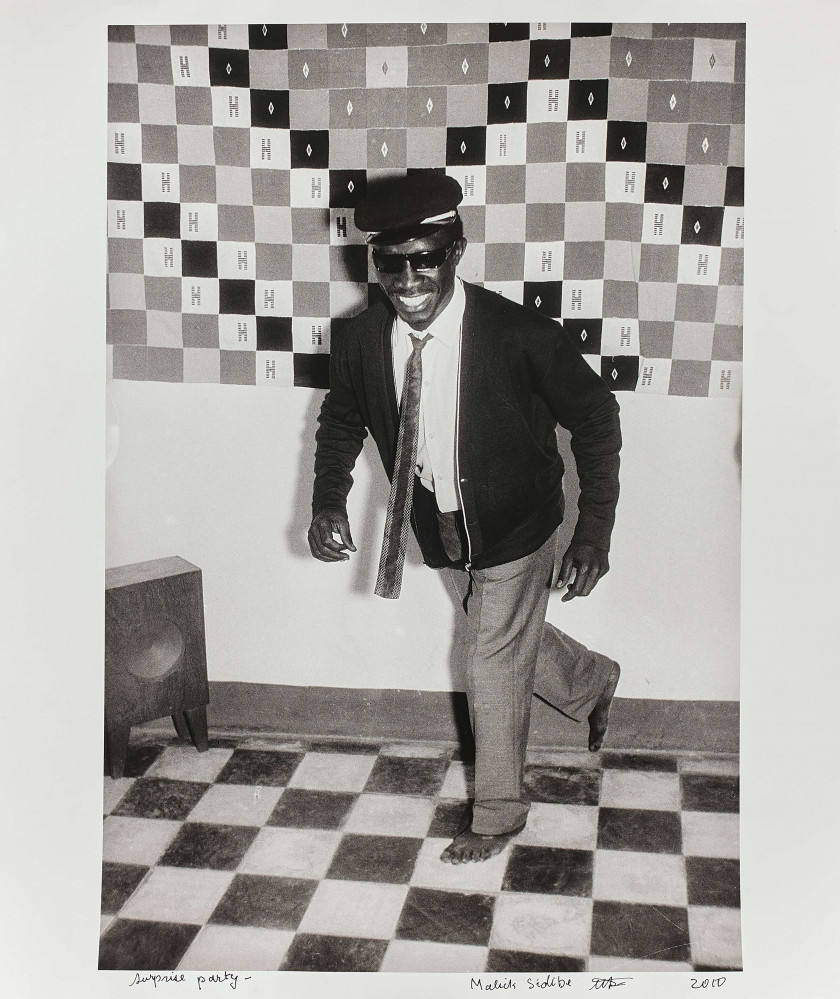 Malick SIDIBÉ Malien - 1935-2016 Suprise party - Circa 1965 Tirage argentique (2010)