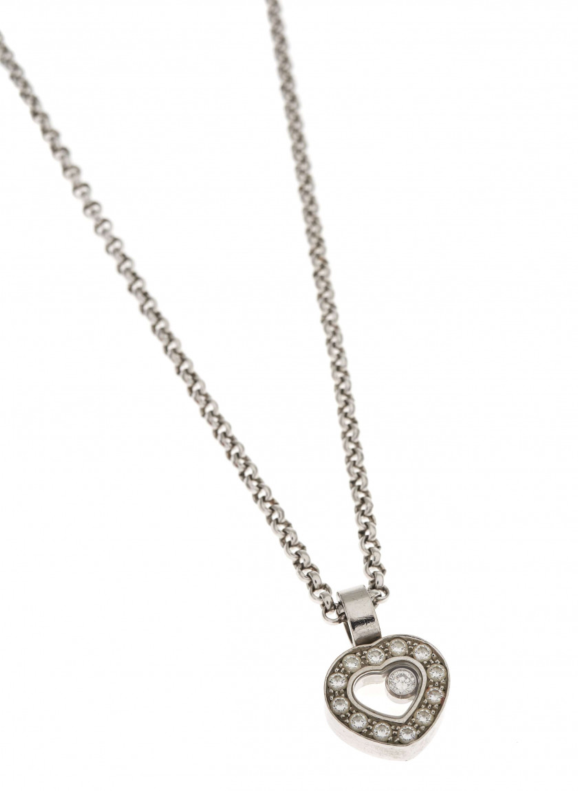 "CHOPARD  Collier et pendentif ""Happy Diamonds"""