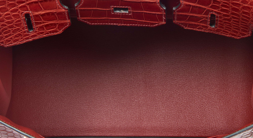 "HERMÈS 2014  Sac BIRKIN 35 Alligator mat rouge ""H"" (Alligator mississippiensis) II/B Taurillon Clémence et box rouge ""H""R..."
