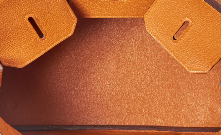 HERMÈS 2005  Sac BIRKIN SHOULDER Taurillon Clémence orange Garniture métal argenté palladié  BIRKIN SHOULDER bag Ora...