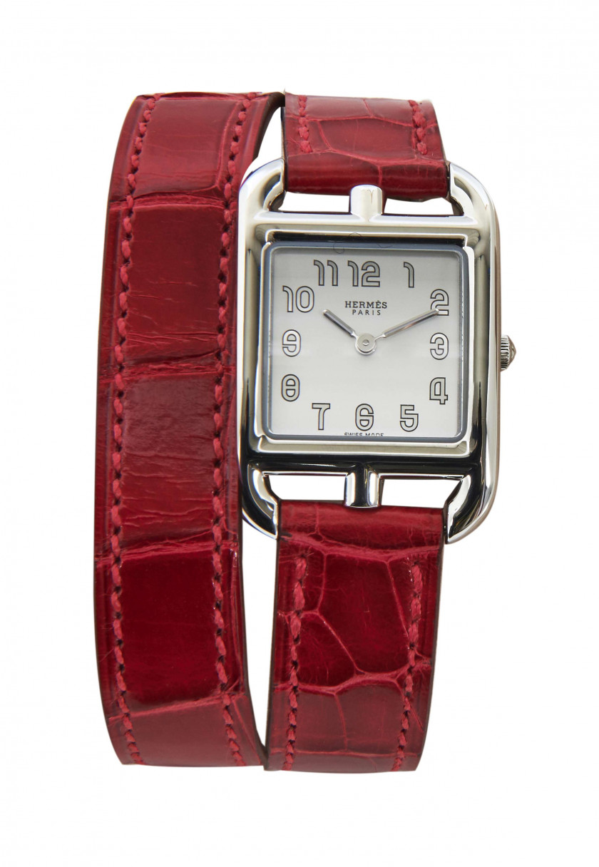 HERMÈS  Montre bracelet de dame CAPE COD Bracelet double tour alligator lisse Braise (Alligator mississippiensis) II/B Acier...
