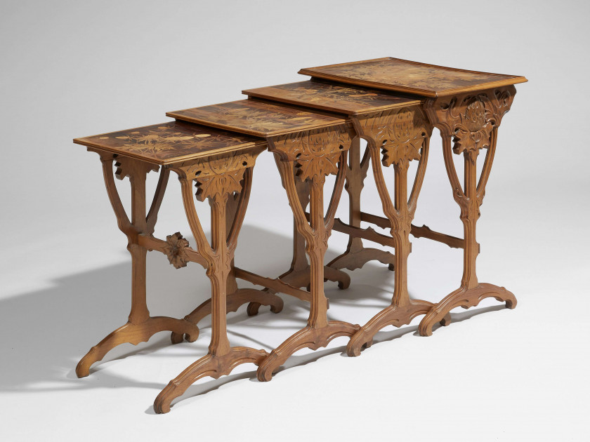 Émile GALLÉ (1846-1904) Suite de quatre tables gigognes - Circa 1900