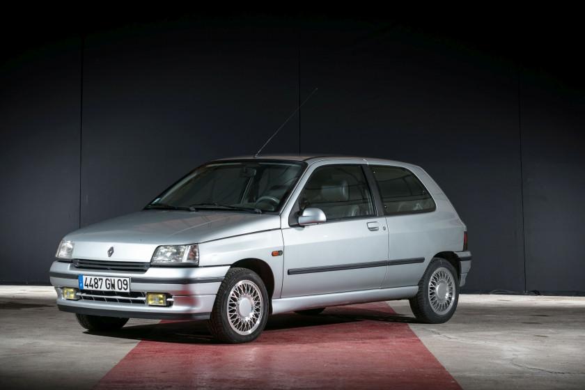 1992 Renault Clio Baccara No reserve