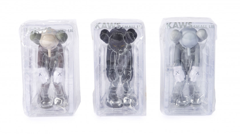 KAWS (Américain - Né en 1974) Small lie (Set of 3 / grey, black and brown) - 2017 Vinyle peint
