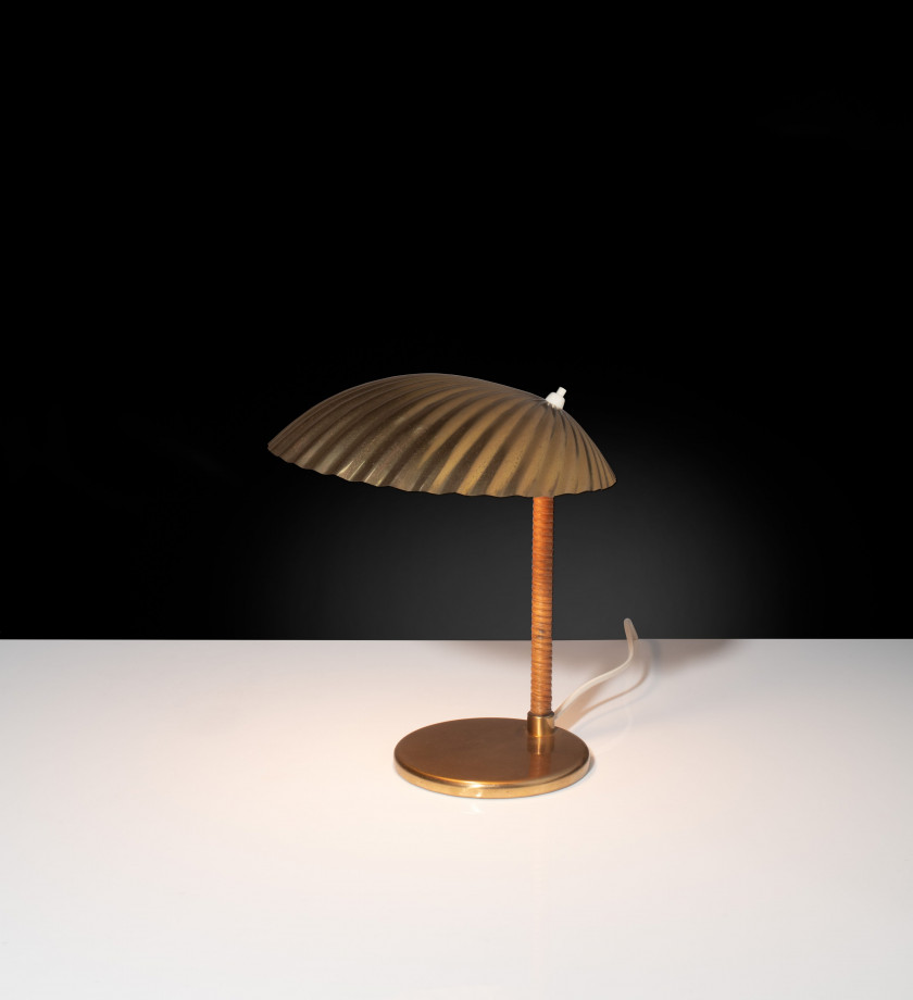 "Paavo TYNELL 1890 - 1973 Lampe de table mod. 5321 dite ""Shell"" – Circa 1950"